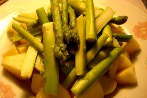 măng tây trộn sốt chanh leo 3