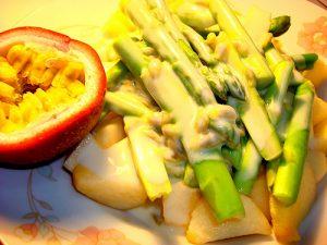măng tây xanh trộn sốt chanh leo