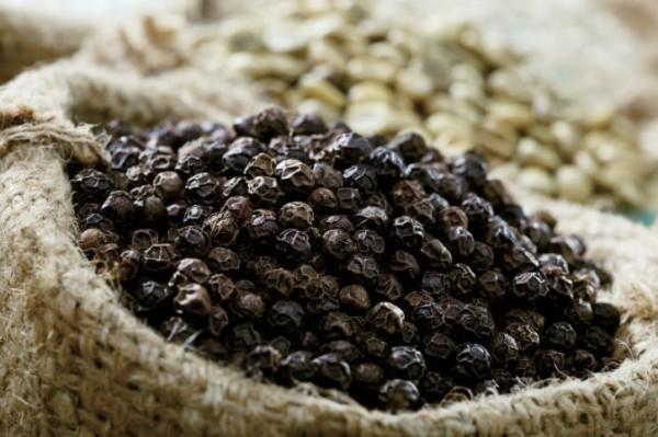 Cách bảo quản hạt tiêu đen cũng như xử lý khi hạt tiêu đen bị ẩm mốc