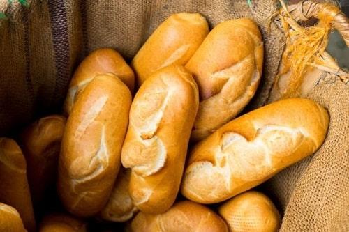 16. Dùng bánh mì là phương pháp nhận biết mật ong rừng hiệu quả