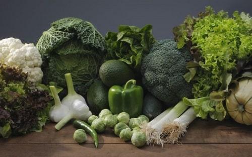 lợi ích khi ăn các loại rau lá xanh đậm